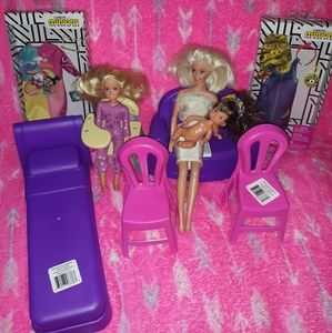 New and like new Barbie lot&accessories